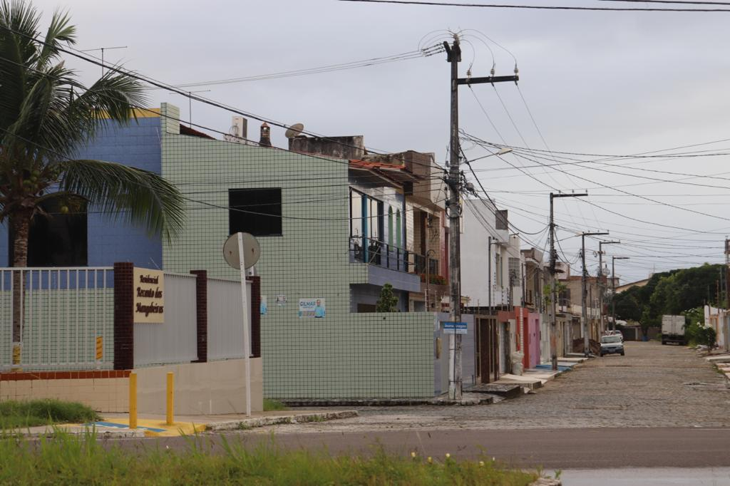 CASA NO RECANTO DA MANGABEIRAS, BAIRRO FAROLÂNDIA