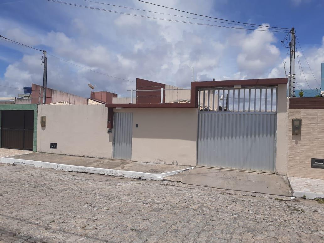 CASA NO RESIDENCIAL PORTO MAR, BAIRRO ARUANDA